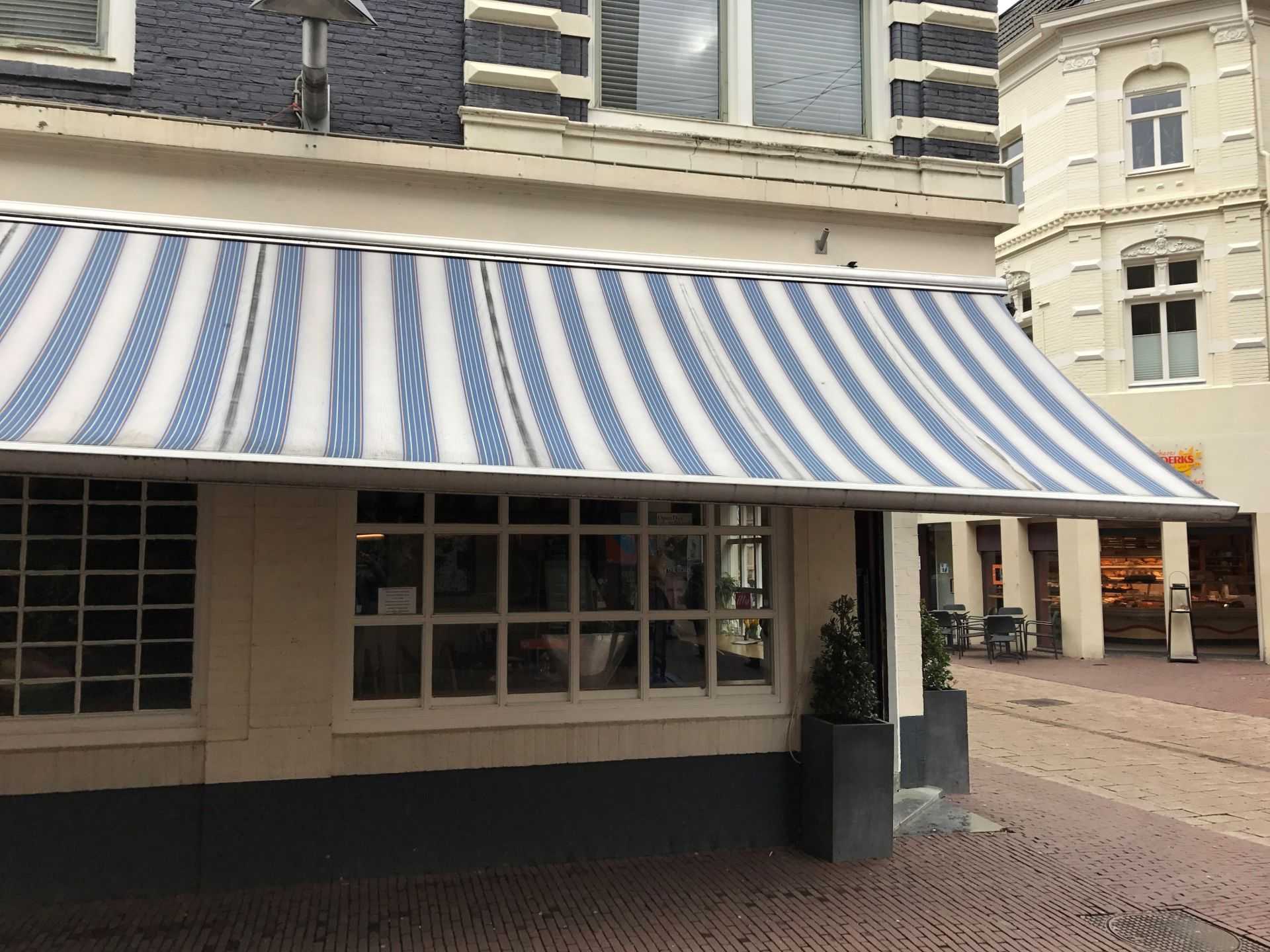 Rainbow Marbella de Pan te Arnhem