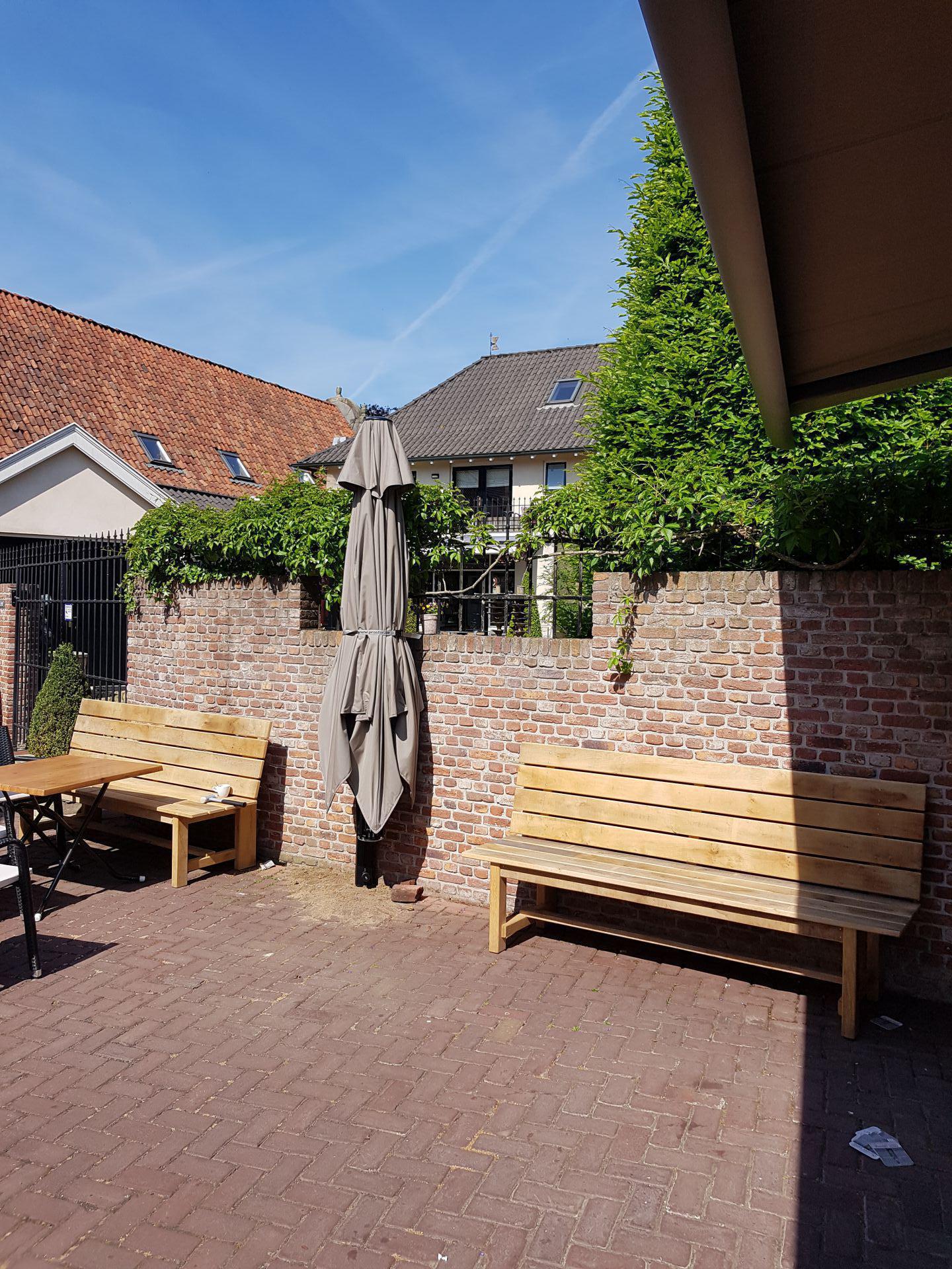 Prostor parasol café te Ootmarsum